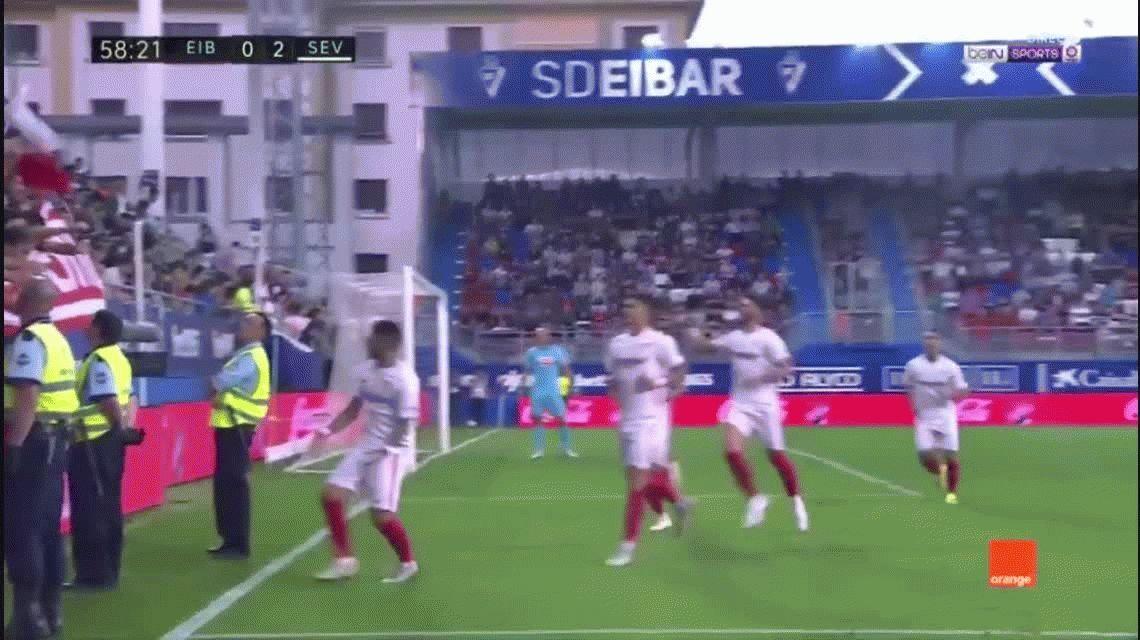 VIDEO: Banega hizo un gol de penal y se cayó una tribuna