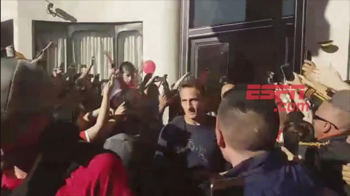 VIDEO: El descontrol de los hinchas de Independiente en un día clave en la Copa Libertadores