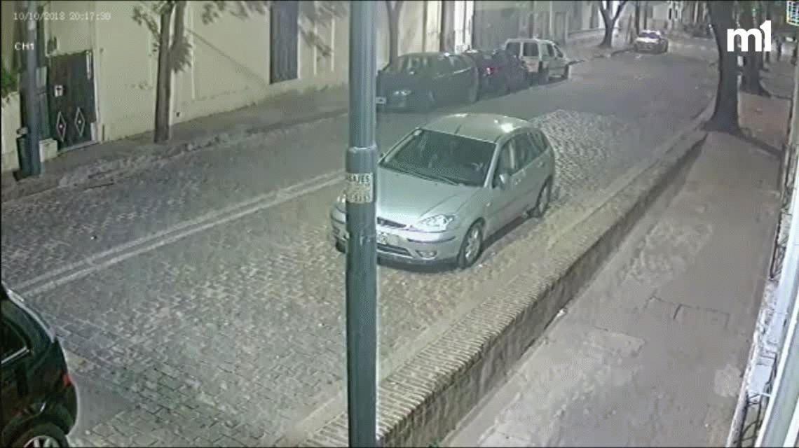 VIDEO: Así fue el momento en el que la mujer mató a su hija en la calle