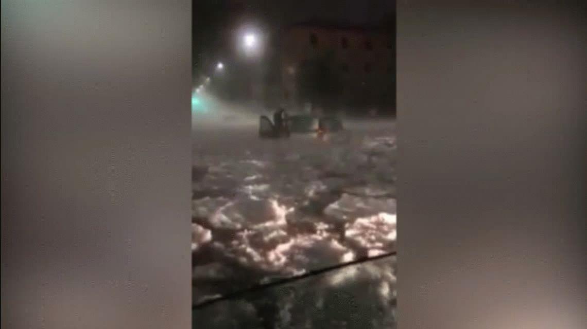 Una tormenta de granizo dejó inundada a Roma