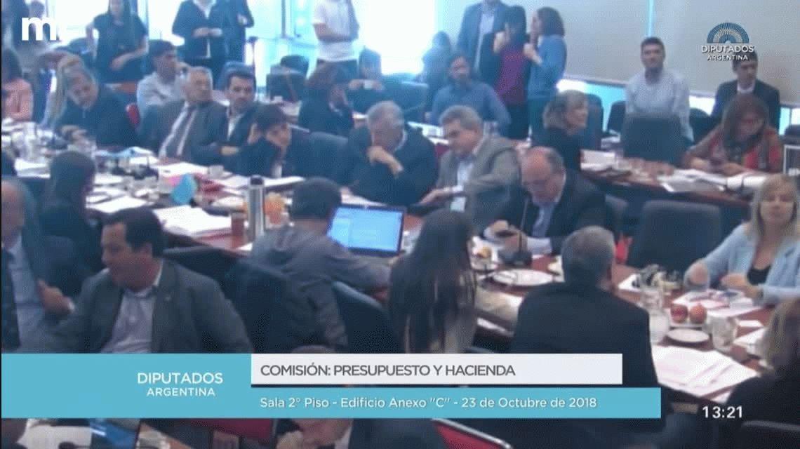 Escándalo en Diputados: gritos e insultos por la firma del dictamen del Presupuesto