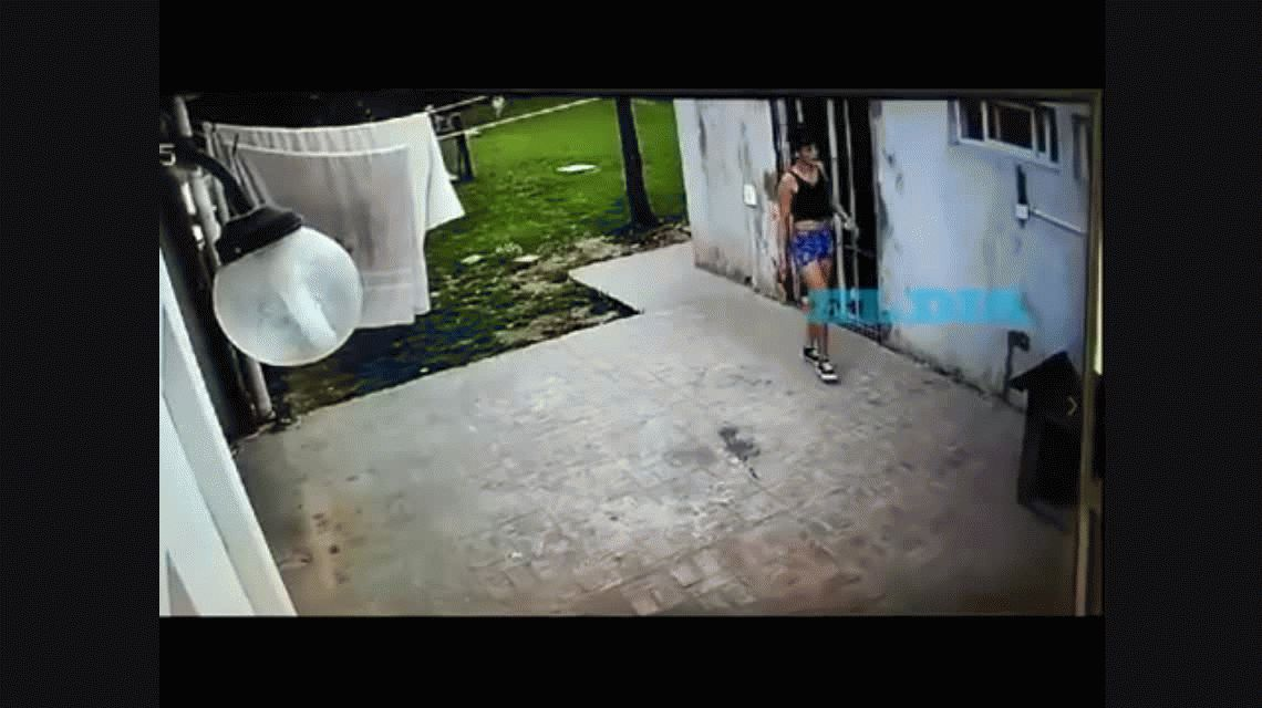 Hartos de los robos, pusieron una cámara y descubrieron que una vecina era la ladrona