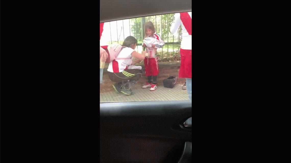 Detuvieron a la mujer que le pegó bengalas al cuerpo de su hijo: la delató su reloj