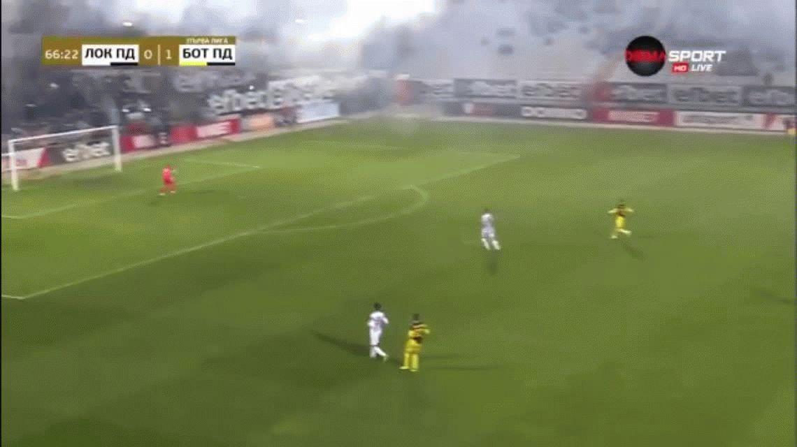 VIDEO: El espectacular gol desde la mitad de cancha que recorre el mundo