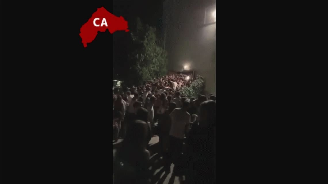 VIDEO: Así fue la estampida que causó seis muertos en el boliche de Ancona