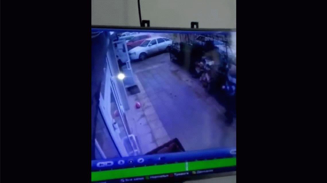 Dos peatones le salvaron la vida a una nena que cayó desde un quinto piso