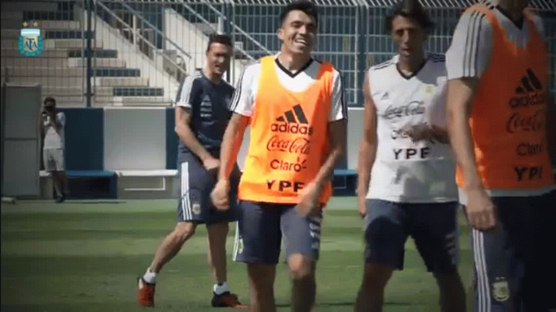 Scaloni: Con Messi tenemos una charla pendiente que esperemos termine de la mejor forma