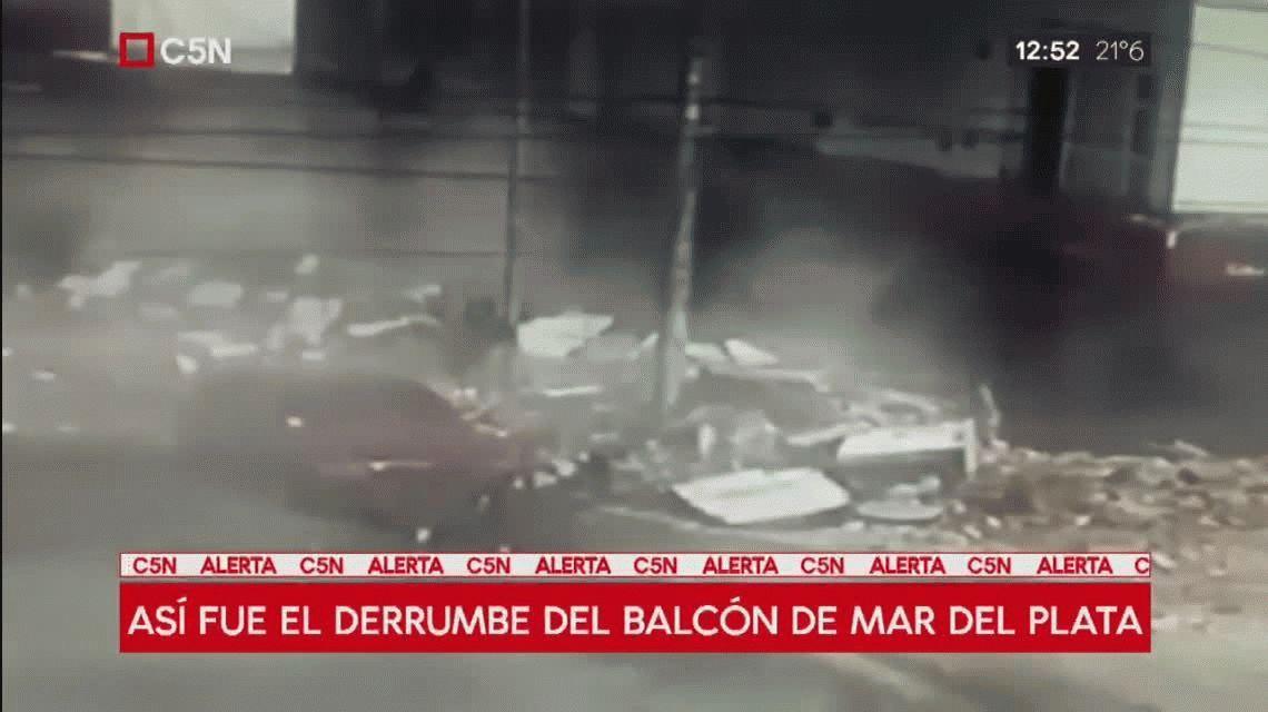 VIDEO: Así fue el derrumbe de los balcones de un edificio en Punta Mogotes