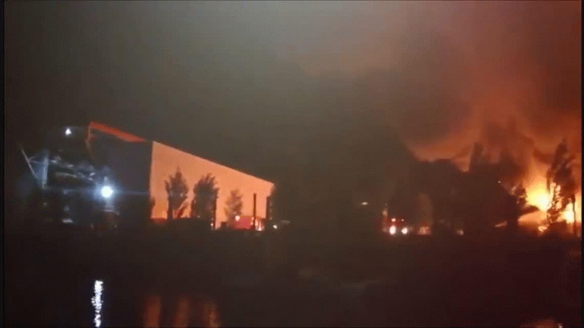 Villa La Ñata: se incendió una guardería náutica