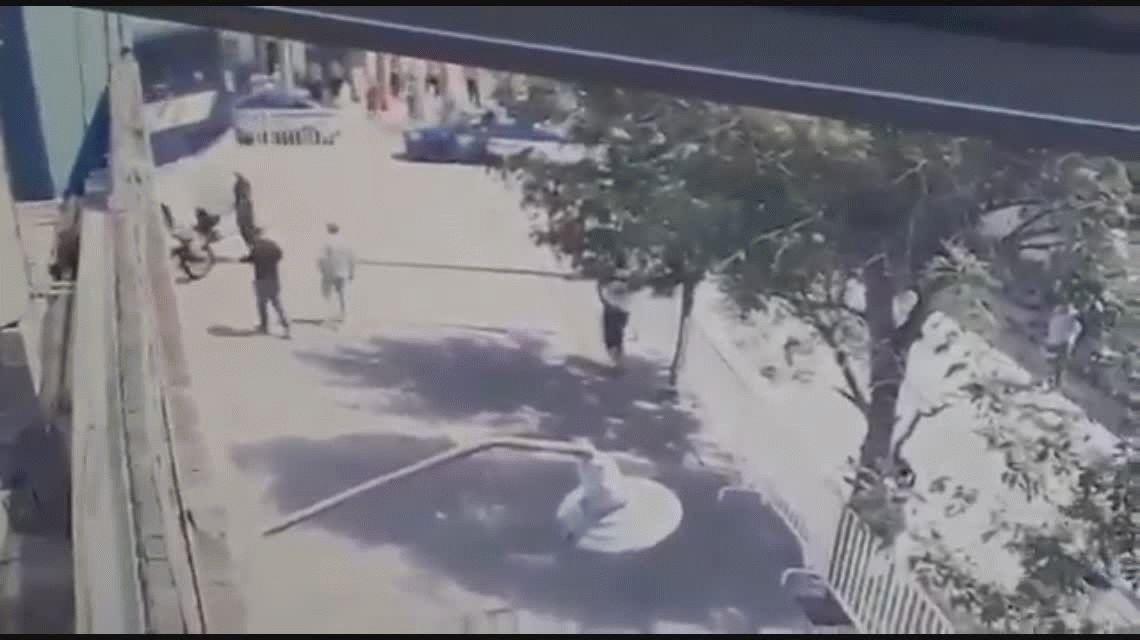 VIDEO: El micro de Unión tiró una pared e hirió a un policía en Córdoba
