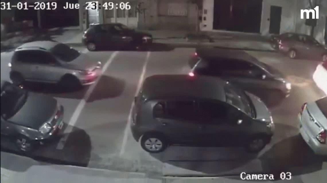 Violento golpe comando en Villa del Parque: encerraron a una familia entre dos autos y la desvalijaron