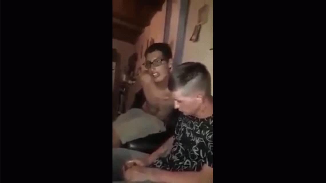 VIDEO: Lo torturaron por tener sexo con la mujer de un preso