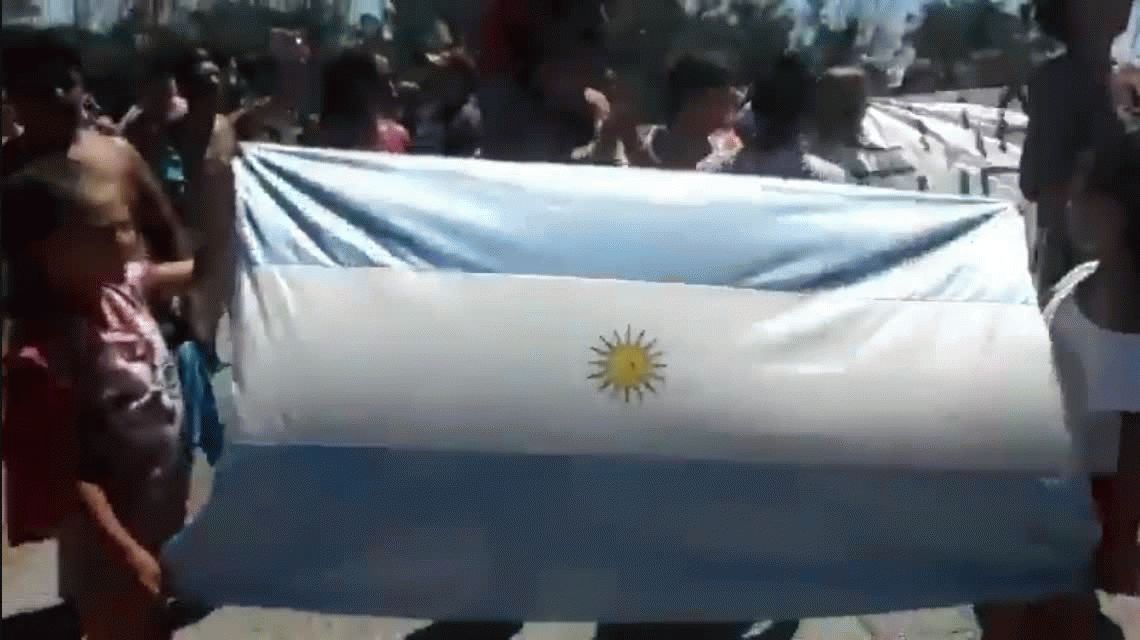 Le arruinaron el cumpleaños: vecinos de Chapadmalal protestaron por la presencia de Macri