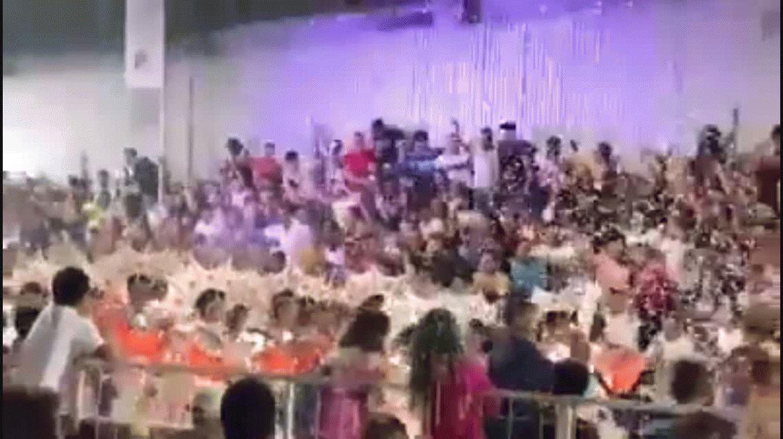 Córdoba: se desplomó una tribuna en los carnavales de Villa Santa Rosa