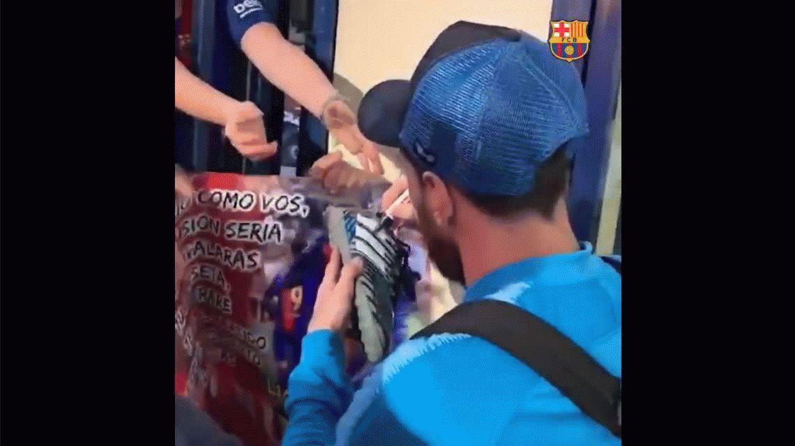 El gesto de Messi que emocionó a un pequeño hincha de Newells