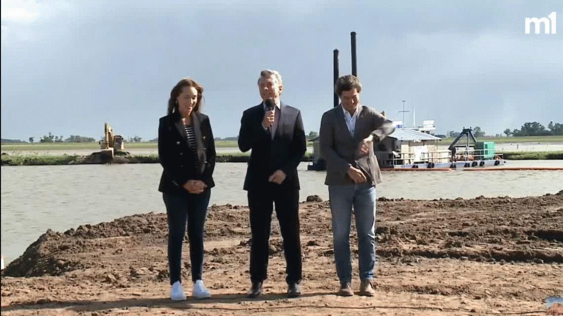 La broma del Presidente en Río Salado: Vidal y Macri Gato terminan las obras del arroyo El Gato