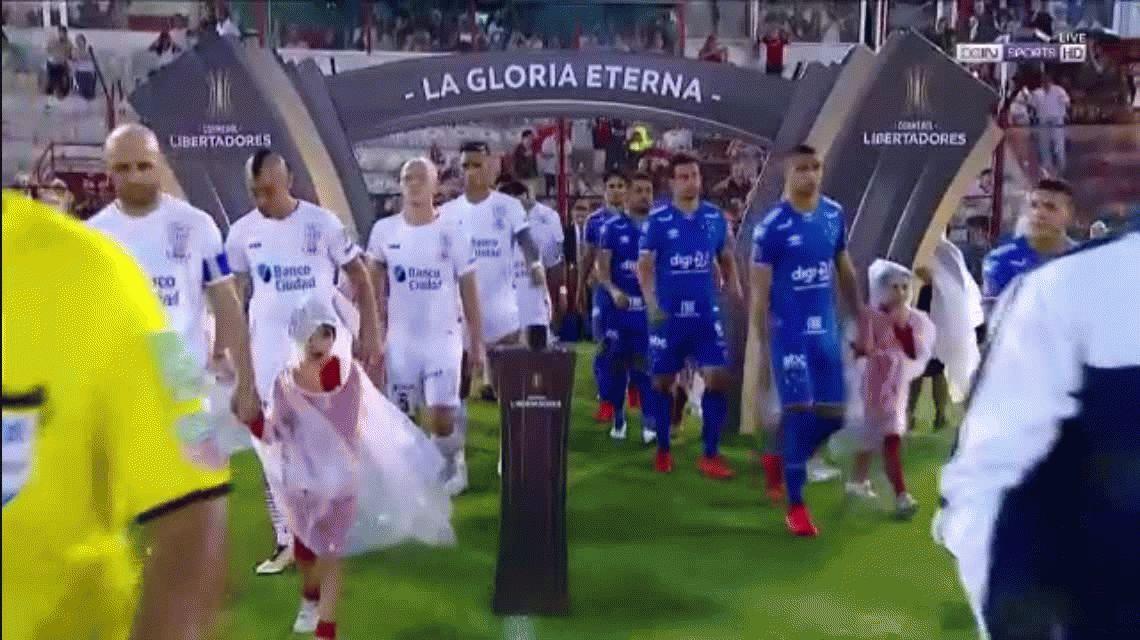 Huracán perdió ante Cruzeiro en su debut en la Copa Libertadores
