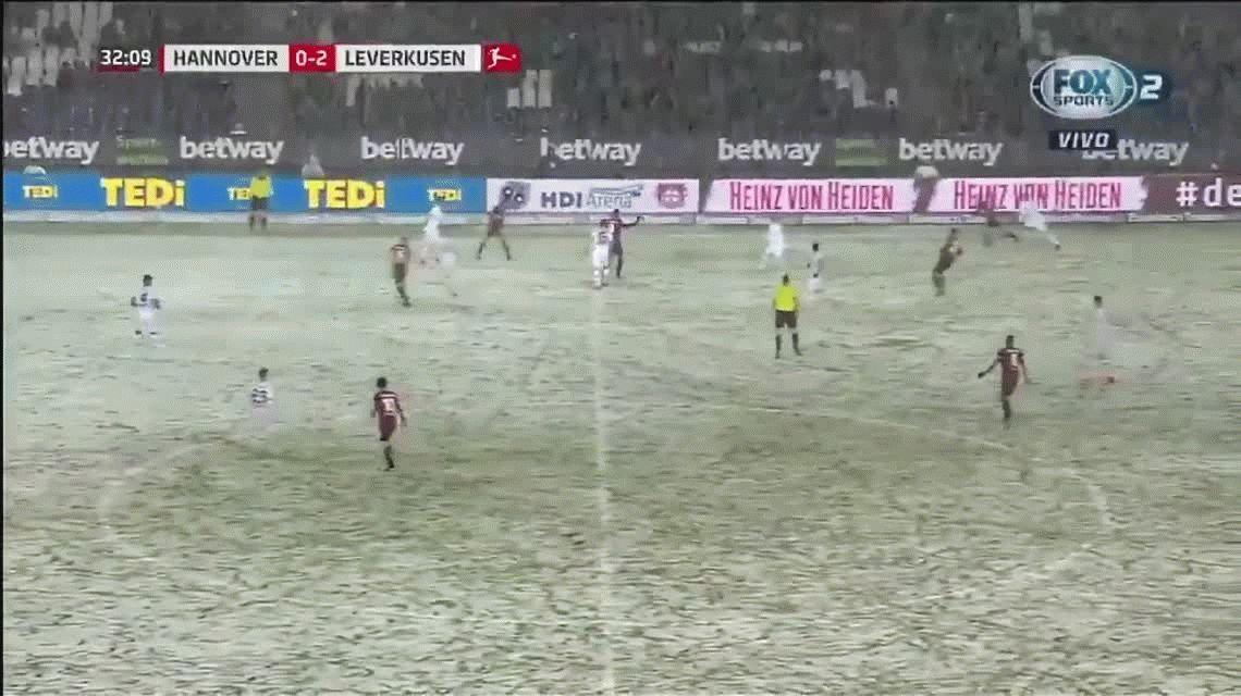Nunca visto: una tormenta de nieve evitó un gol en el fútbol alemán