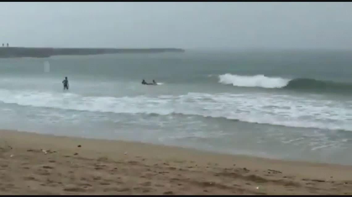 La campeona de surf Luzimara Souza murió al ser alcanzada por un rayo en el mar