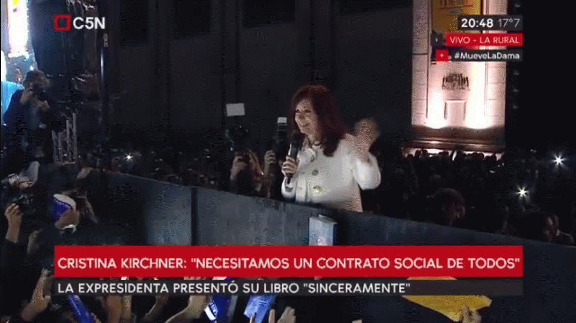 Por qué Cristina presentó el libro Sinceramente el 9 de mayo