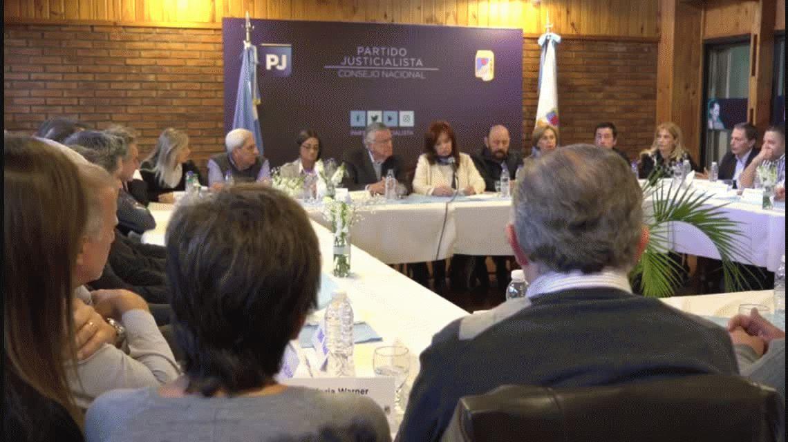 Cristina Kirchner participó de la cumbre del PJ