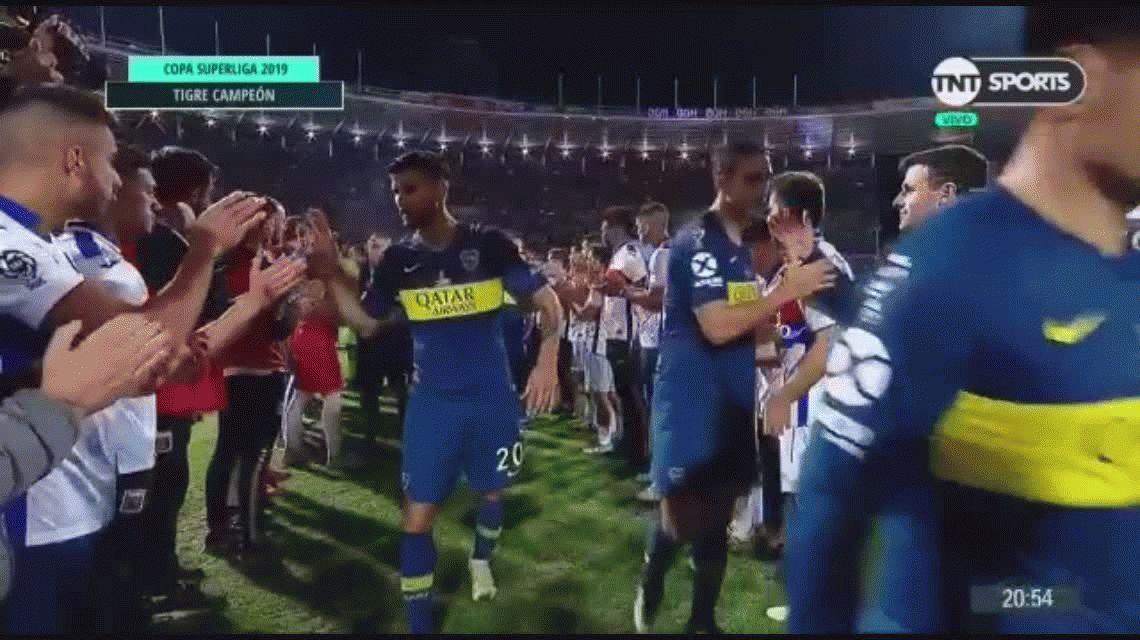 El gesto de Mauro Zárate con sus rivales de Tigre que generó indignación
