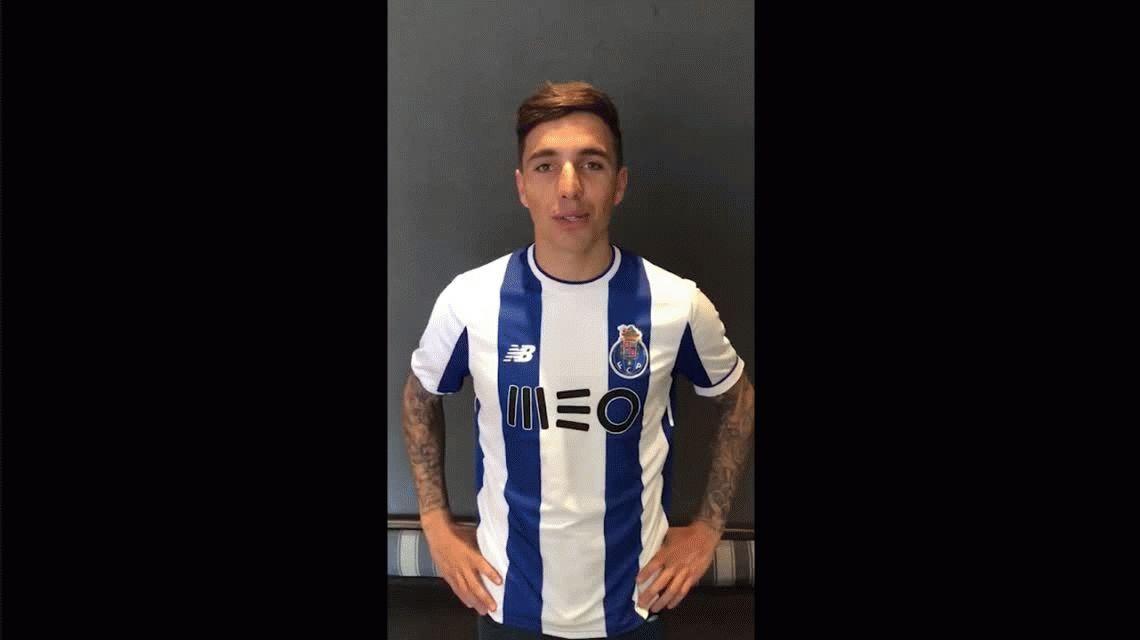 Oficial: Renzo Saravia deja Racing para jugar en el Porto de Portugal