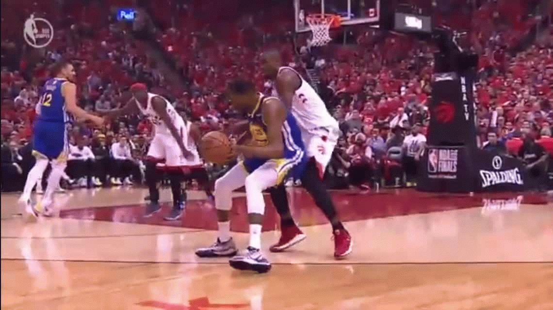Kevin Durant se rompió el tendón de Aquiles en el duelo entre los Warriors y los Raptors por la final de la NBA