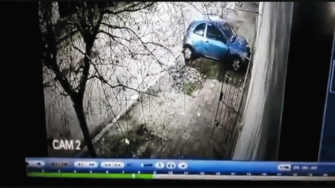 Monte Chingolo: tiene una perimetral y estrelló el auto contra la casa de su ex y sus hijos