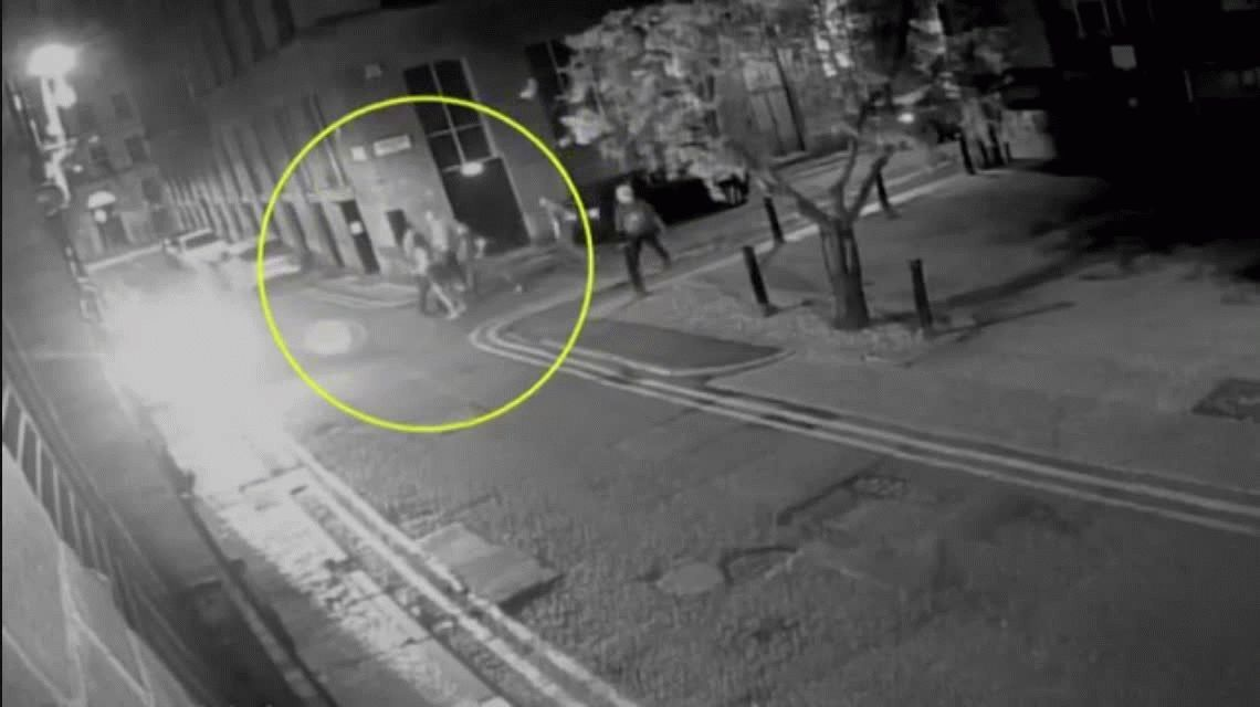Un hombre golpeó a una mujer y la dejó inconsciente porque lo rechazó en un boliche