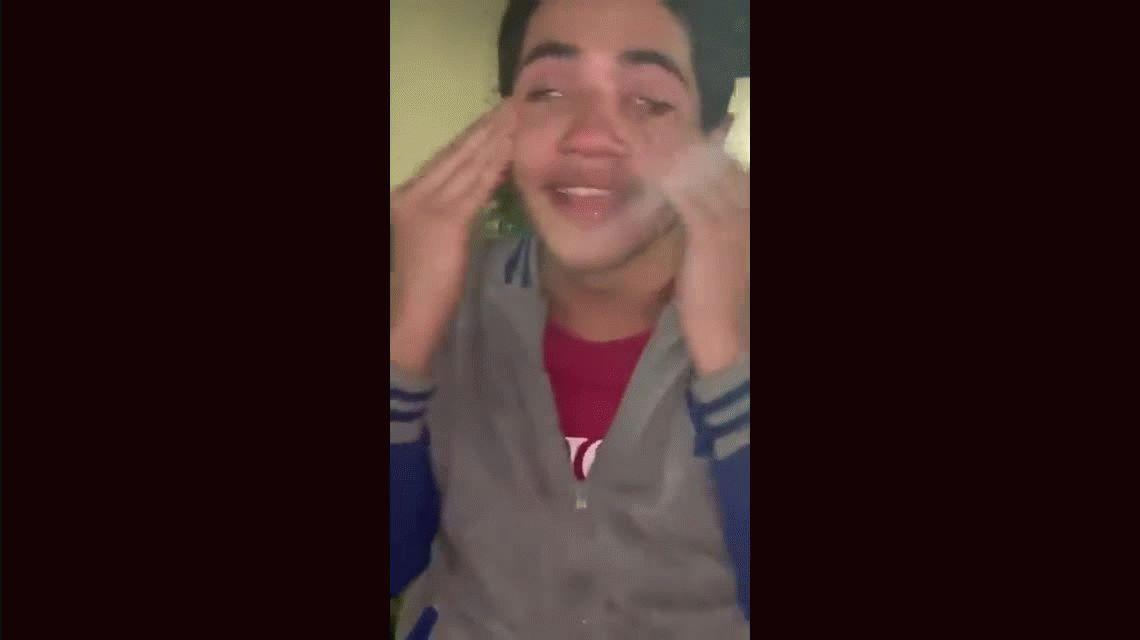 VIDEO: El llanto descontrolado de un chico porque su banda favorita no está en Spotify