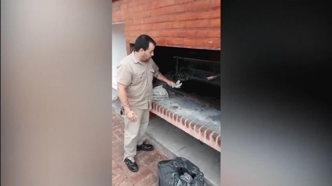 VIDEO: El portero de un edificio se indignó y grabó un video para enseñar a limpiar la parrilla