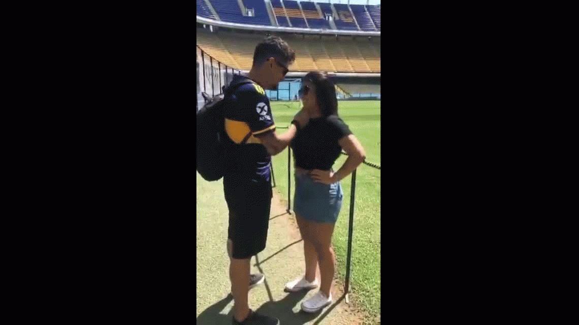 VIDEO: Un fanático brasileño le propuso casamiento a su novia en La Bombonera
