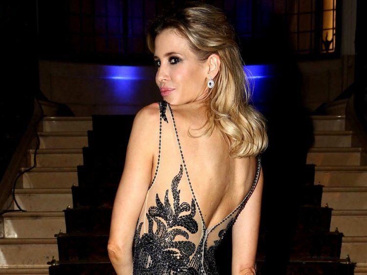 Guillermina Valdes, sexy en un back