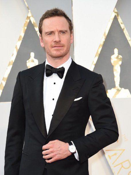 Michael Fassbender en la alfombra roja de los Oscar