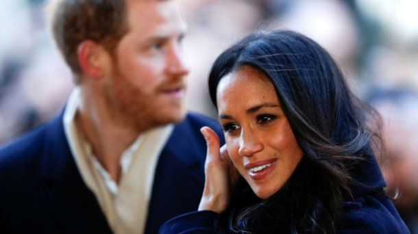 Harry defendió a su novia de las críticas y el acoso del periodismo. <br>