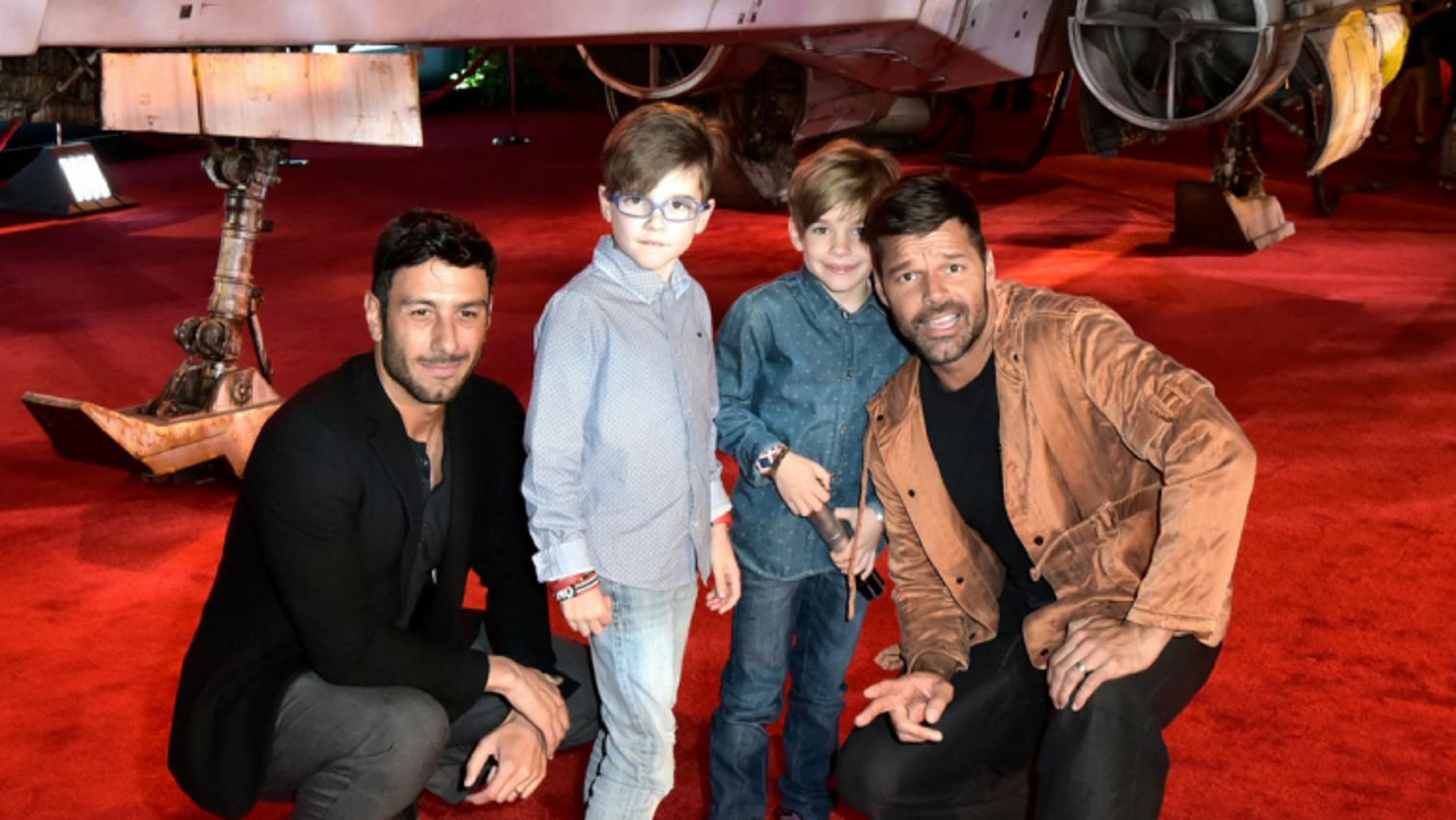 Ricky Martin con sus hijos.