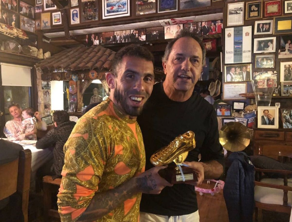 Reunión de goleadores: Tevez y Scioli volvieron a jugar juntos