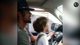 Daniel Osvaldo manejó con su hijo a cuestas