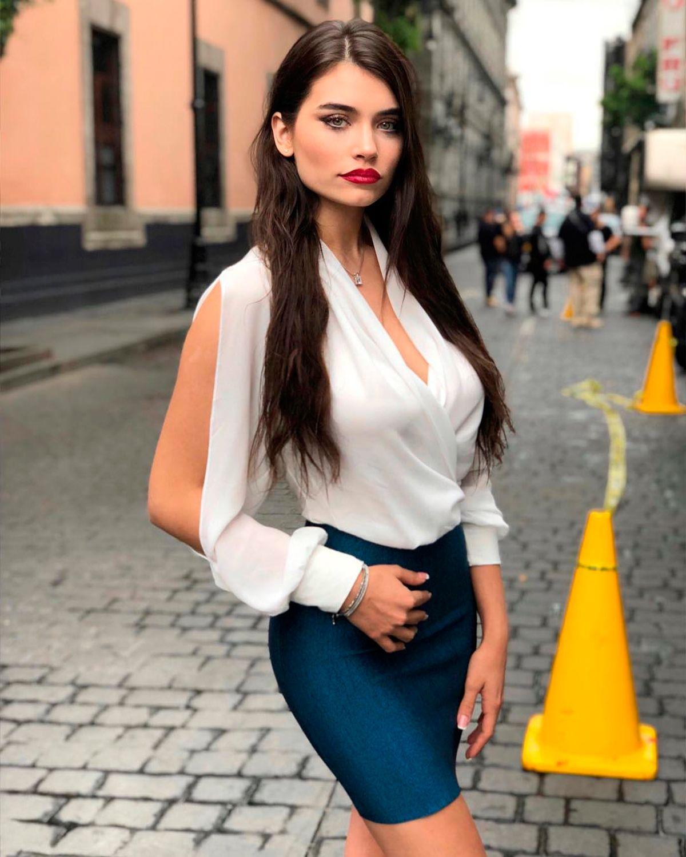 Eva De Dominici con su tìpico look