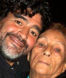 Se cumplen siete años de la muerte de Doña Tota, la mamá de Maradona
