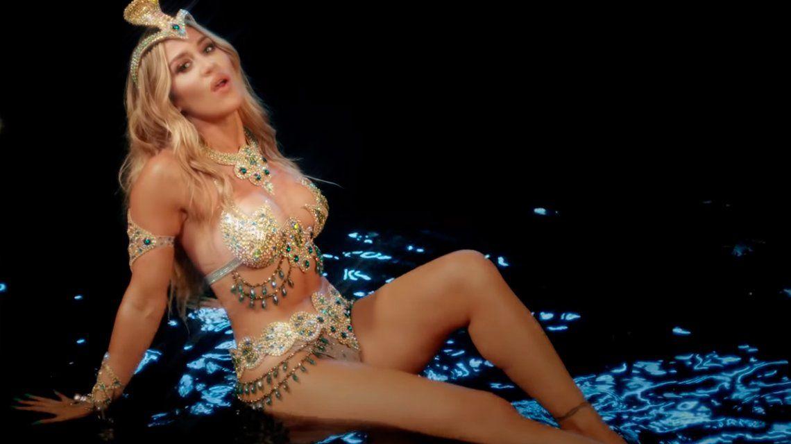"""Con una letra muy poderosa, Jimena Barón estrenó el videoclip de """"La cobra"""""""