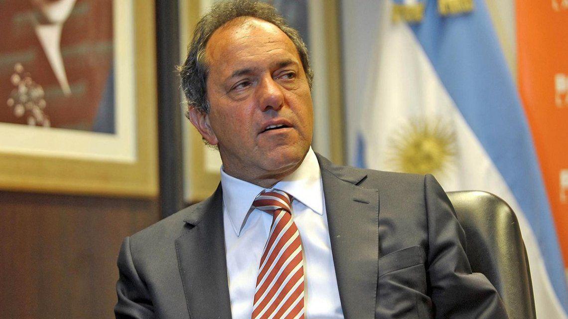 Daniel Scioli anunció que mantiene su precandidatura presidencial
