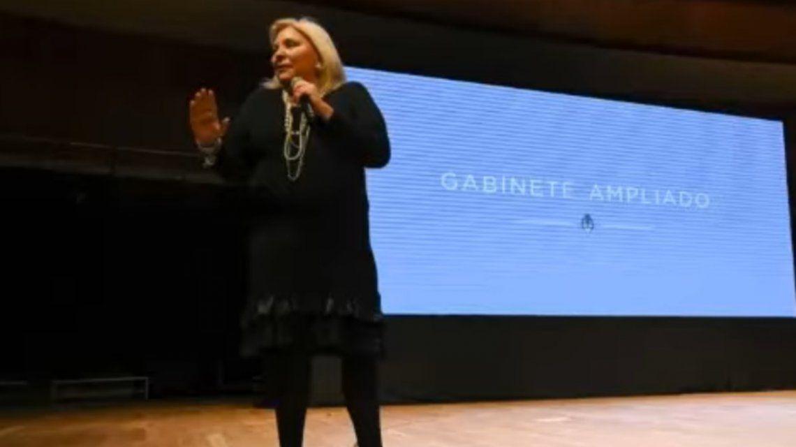 Elisa Carrió, en la reunión de gabinete ampliado: Nos van a sacar muertos de Olivos