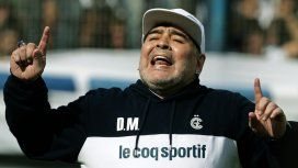 Las increíbles cábalas con las que Maradona intentará salvar a Gimnasia del descenso