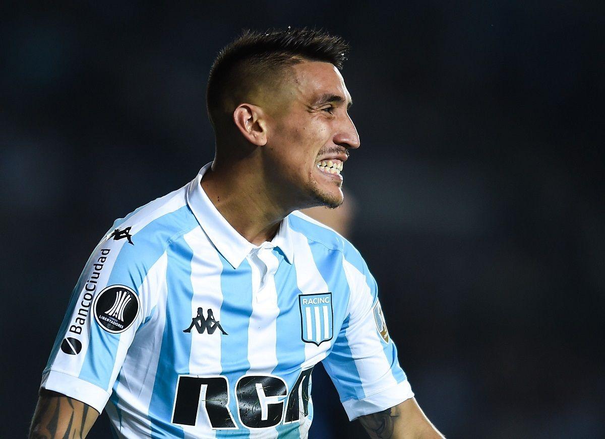 Ricardo Centurión se acerca a Vélez