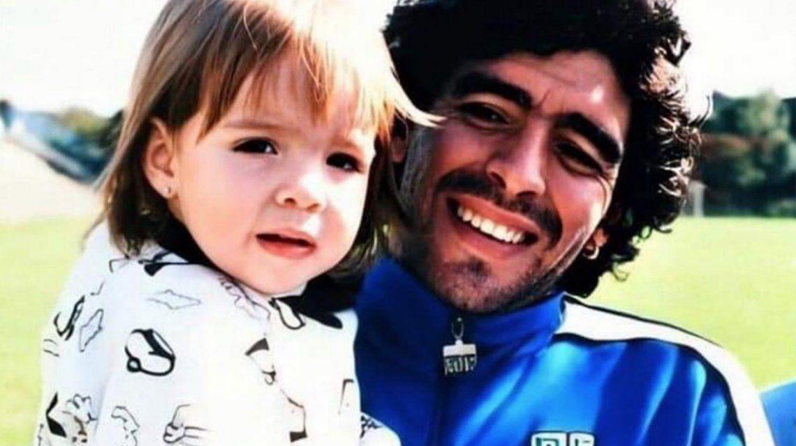 El mensaje del Día del Padre de Dalma Maradona a Diego con indirecta incluida