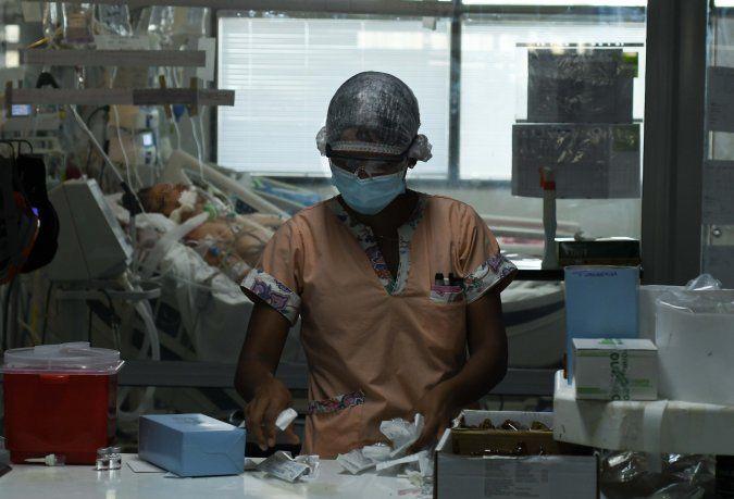 El Gobierno prorrogó hasta fin de año la eximición de aportes previsionales para el sector Salud