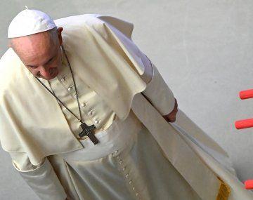 Gesto futbolero: el Papa jugó al metegol en la Audiencia General