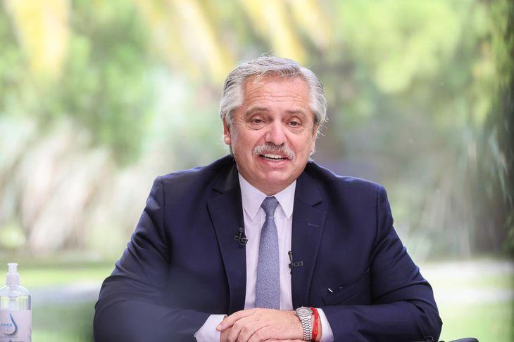 Alberto Fernández pidió a los argentinos que intenten evitar los viajes al exterior